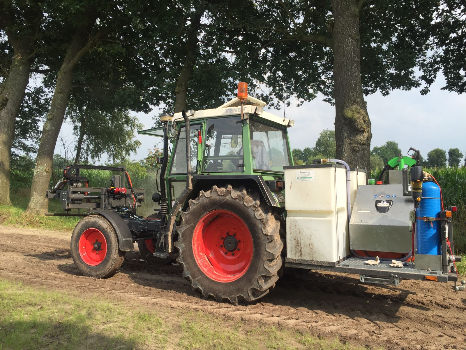 Fahrzeuganbau-Zubehör Wildkrautbekämpfung   Jürgen Kreye